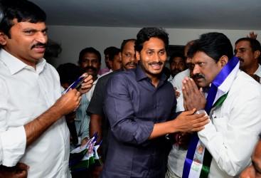 Warangal TDP Leader joins YSRCP | YSR Congress Party