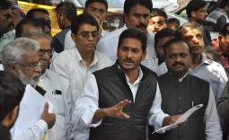YS Jagan meets CEC - YSRCongress