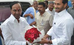 Telangana CM KCR meets Andhra Pradesh CM YS Jagan at his residence Photo Gallery - YSRCongress