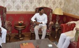 YS Jagan and KCR Meets Governor - YSRCongress