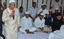 YS Jagan,KCR to attend Iftar party at Raj Bhavan Photo Gallery - YSRCongress