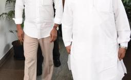 AP CM YS Jagan meets Governor Sri  Biswa Bhushan Harichandan Gaaru  - YSRCongress