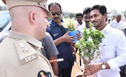 AP CM YS Jagan unveiling YSR Varadhi -  Photo Gallery - YSRCongress