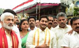 YS Jagan Visit Tirumala Temple